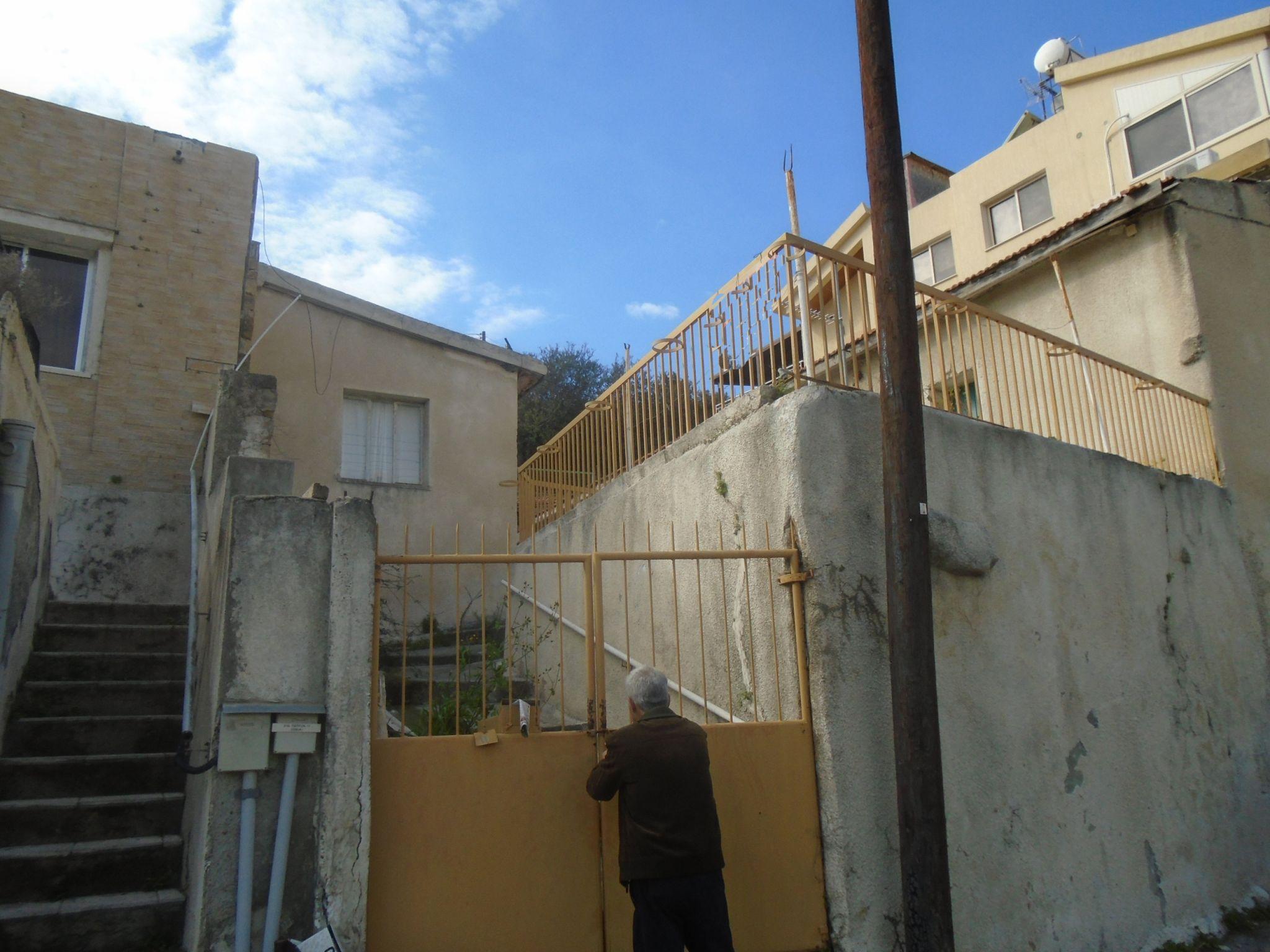 immobilien zum verkauf 3 schlafzimmer villen h user zum verkauf in germasogeia limassol zypern. Black Bedroom Furniture Sets. Home Design Ideas